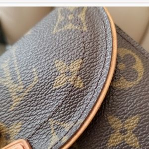 Louis Vuitton Bags - Louis Vuitton Beverly Monogram Trifold Wallet